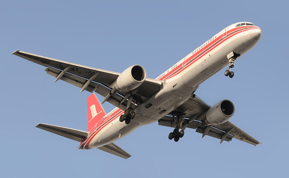 A Shanghai Airlines Boeing 757 coming into land. Image via Wikipedia