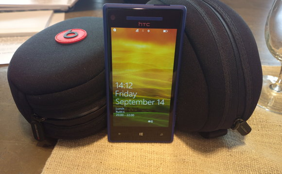 HTC WP8 X hands on review