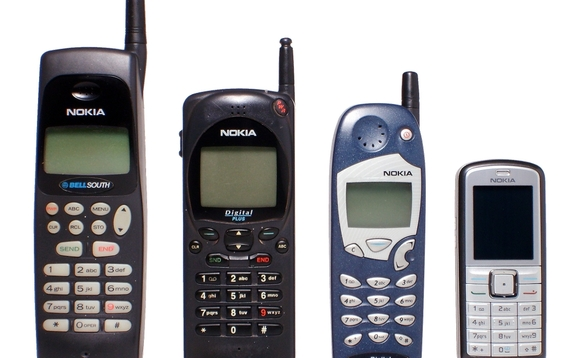 Nokia set to return to mobile phones before the end of the year